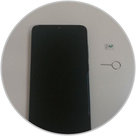 Setzen Sie die SIM-Karte Xiaomi Redmi K30 1.jpg
